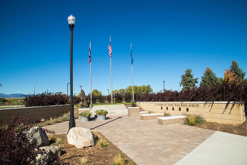 veteran's plaza